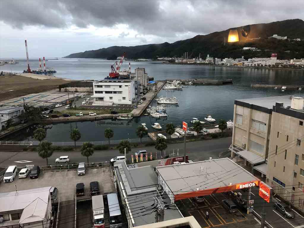 奄美サンプラザホテルから名瀬港